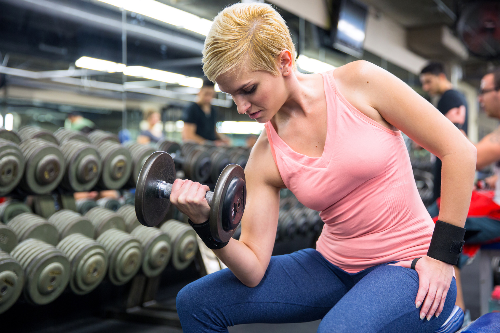 should women train and lift weights like men
