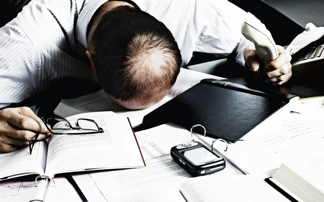 10 Ways Your Desk Job Is Destroying Your Body & Here's How You Can Fix Them!