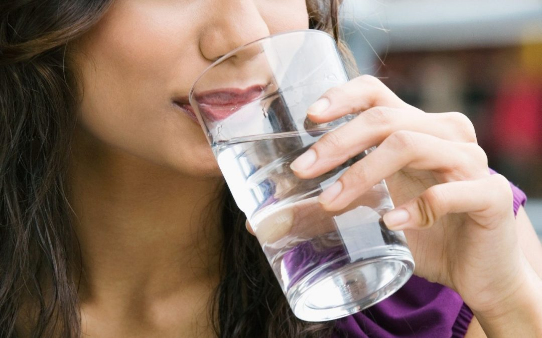 10 Reasons Why You Should Gulp Water On An Empty Stomach